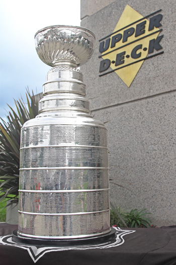 2012-Upper-Deck-Headquarters-Stanley-Cup-Visit-NHL-Hockey