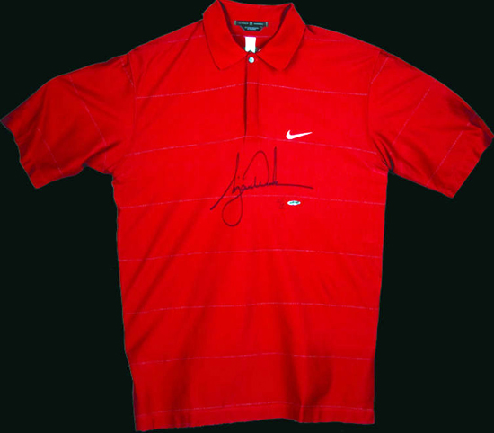 Upper-Deck-Authenticated-PGA-Ultimate-Gift-Tiger-Woods-Sunday-Red-Polo