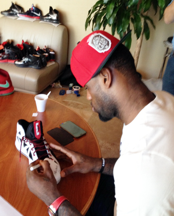 LeBron-James-Upper-Deck-Authenticated-Signing-Session-Newtown-CT-Victims-Shoes-Autograph-2