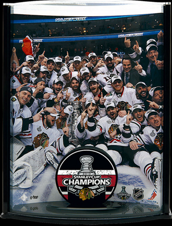 Chicago-Blackhawks-Collectible-Memorabilia-Stanley-Cup-Champion-Puck-Curve-UDA