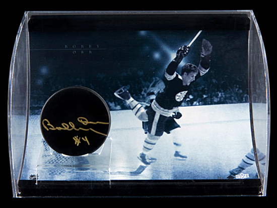 Fathers-Day-Great-Gift-for-Dad-Sports-Hockey-Bobby-Orr-Autograph-UDA