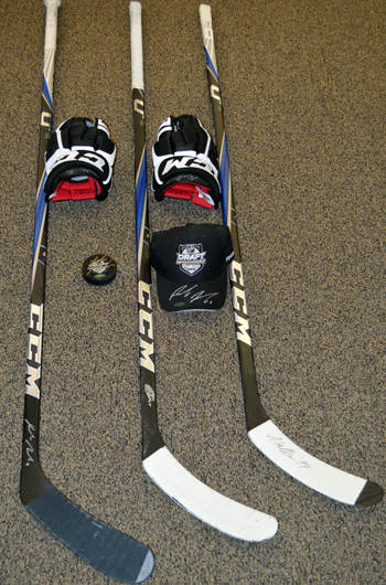 2013-Diamond-Club-Event-National-Sports-Collectors-Convention-Sticks-Hats-Pucks-Gloves