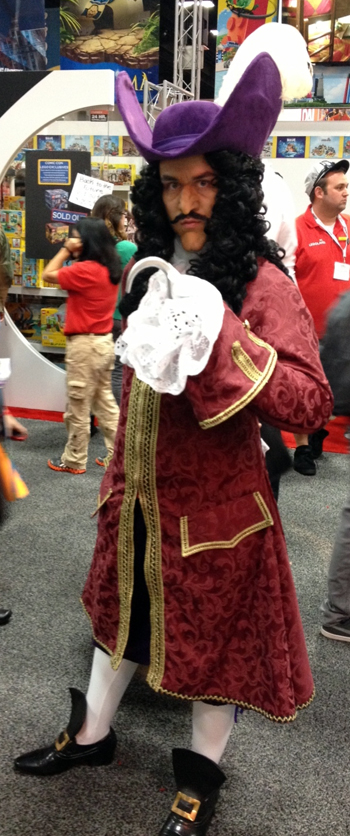 Comic-Con-San-Diego-Upper-Deck-Best-Worst-Dressed-2013-Captain-Hook