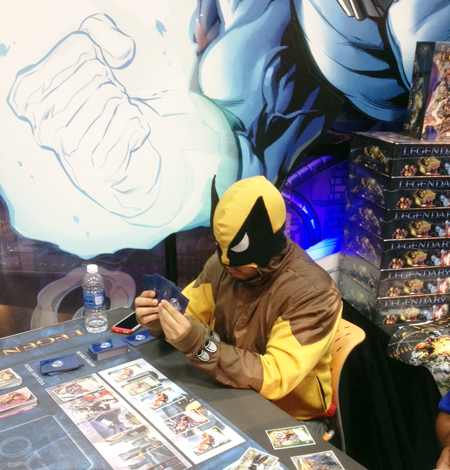 Comic-Con-Upper-Deck-San-Diego-Marvel-Wolverine-Plays-Legendary