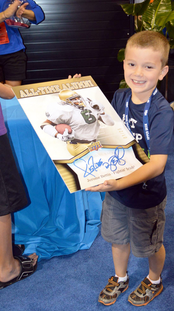 2013-National-Sports-Collectors-Convention-Daily-Raffle-Winner-Kid-Youth-Blow-Up-Notre-Dame