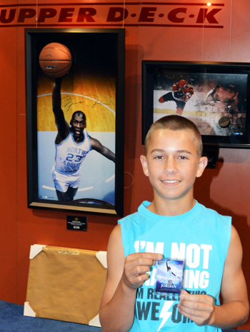2013-National-Sports-Collectors-Convention-Fleer-Retro-Case-Break-Promotion-Michael-Jordan-Autograph-Card