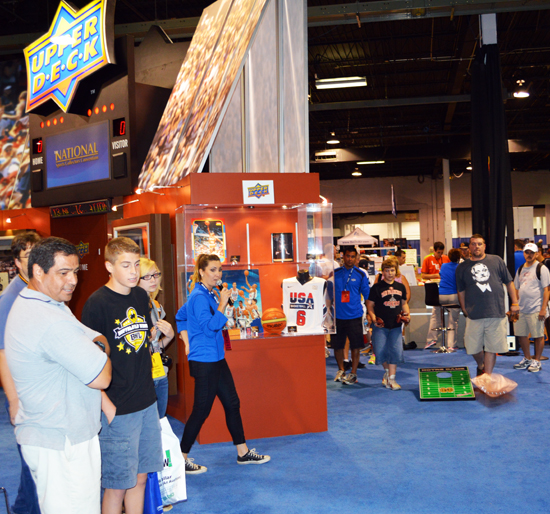 2013-National-Sports-Collectors-Convention-Notre-Dame-Pack-Cornhole-Tournament