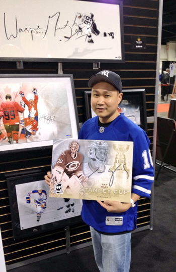 UD-Surprises-Hockey-Card-Fans-Sports-Card-Memorabilia-Expo-Hobby-Insider-Danny-Mark-Cam-Ward-Super-Collector