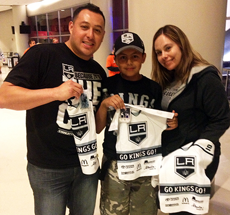 Upper-Deck-Random-Acts-of-Kindness-Kings-Ducks-Game-6-Fan-1