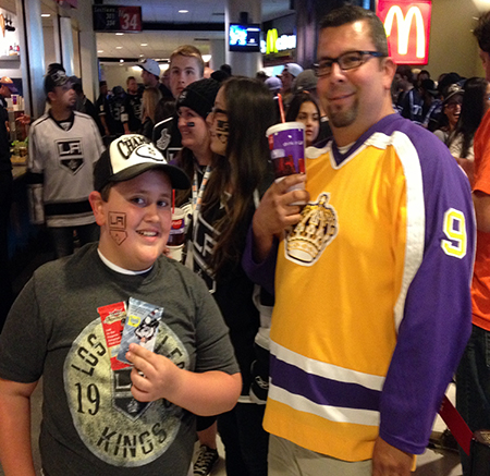 Upper-Deck-Random-Acts-of-Kindness-Kings-Ducks-Game-6-Fan-6