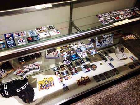 2014-NHL-Draft-Upper-Deck-Booth-Busy-Trading-Card-Display-Case
