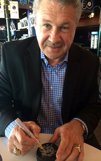 2014-NHL-Draft-Upper-Deck-Booth-Line-for-Dave-the-Hammer-Schultz-Signs-Autographs-Fans