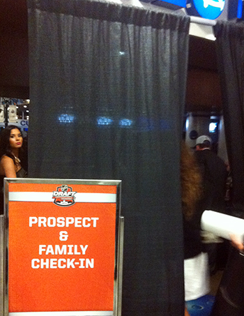 2014-NHL-Draft-Upper-Deck-Gauntlet-Family-Area-Post-Entrance-2