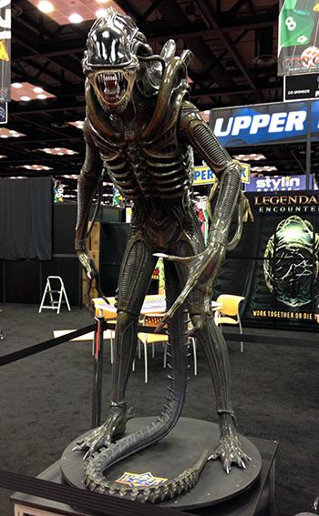 Gen-Con-Indy-Alien-Legendary-Encounters-Photo-Opp-Life-Size-UDAlien-3