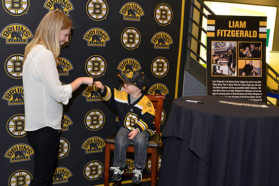 Upper-Deck-Boston-Bruins-Liam-Fitzgerald-Trading-Card-Heroic-Inspirations-Bump-Out-Cancer-Fans