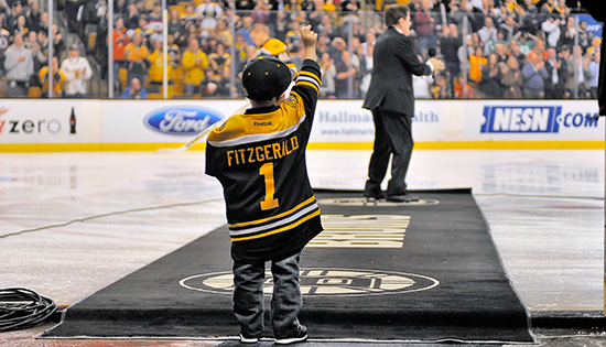 Upper-Deck-Boston-Bruins-Liam-Fitzgerald-Trading-Card-Heroic-Inspirations-Reveal-Mascot-5