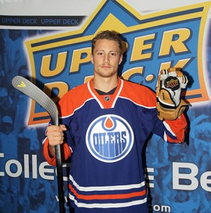 2014-NHLPA-Rookie-Showcase-Game-Upper-Deck-Photo-Shoot-Laurent-Brossoit