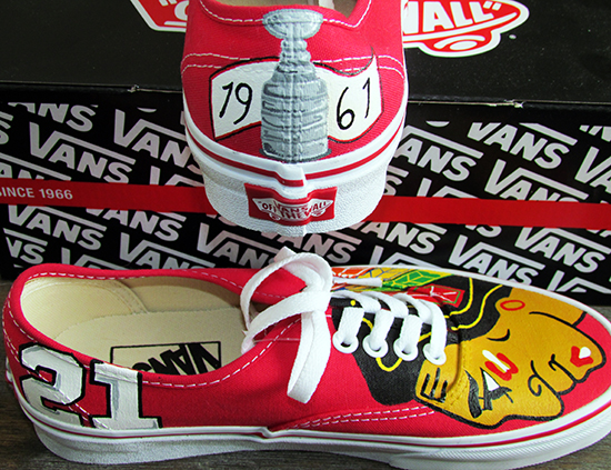 kustom-team-kicks-chicago-blackhawks-painted-shoes-4
