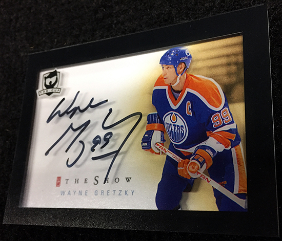 new-2015-16-nhl-the-cup-the-show-autograph-trading-card-wayne-gretzky