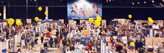 Sportscard-Memorabilia-Expo-Upper-Deck-Booth-Balloons-Diamond-Dealer-1