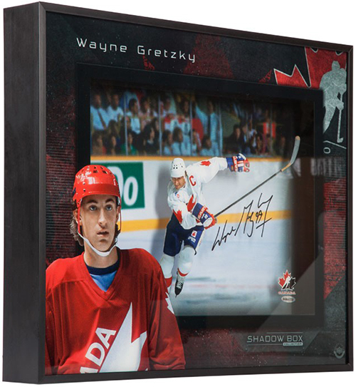 Upper-Deck-Authenticated-wayne-gretzky-autographed-team-canada-center-ice-shadow-box-85342-angle