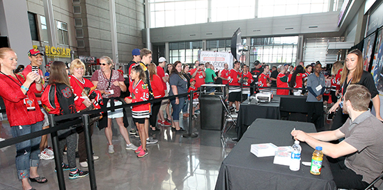 2017-nhl-draft-upper-deck-booth-autograph-session-tyler-motte-chicago-blackhawks-trade-panarin-columbus-fans-happy