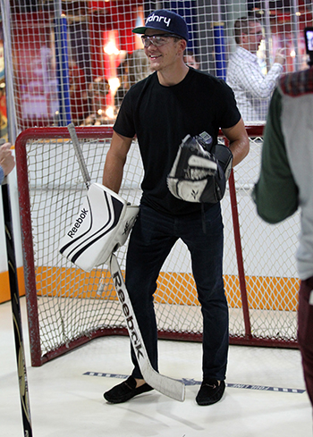 2017-nhlpa-rookie-showcase-toronto-upper-deck-hockey-hall-of-fame-jack-roslovic-rosie
