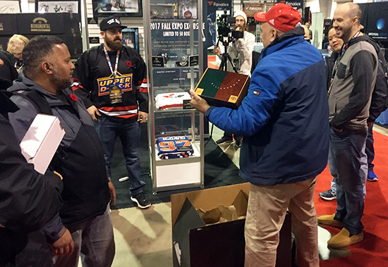 2017-Upper-Deck-Authenticated-Fall-Sport-Card-Memorabilia-Expo-Monumental-Hockey-Box-opening-experience