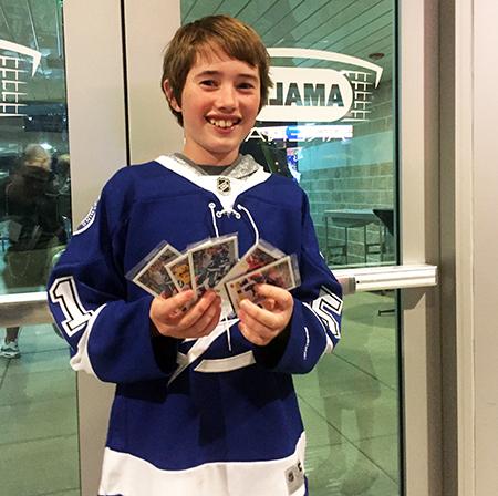 2018-NHL-All-Star-Upper-Deck-exclusive-pack-fans-tampa-bay-lightning-arena-2