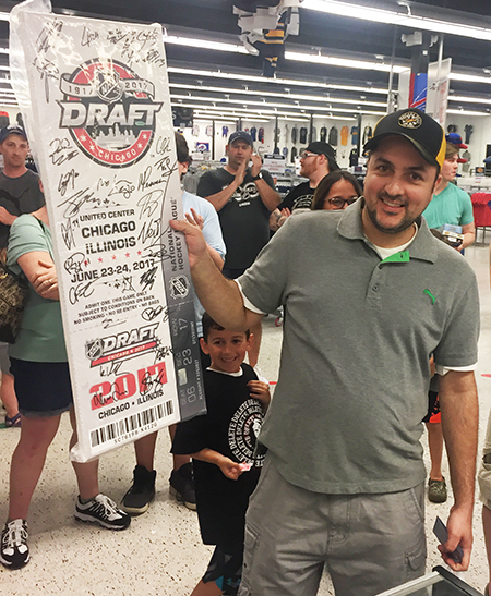 2018-upper-deck-night-dave-adams-cardworld-happy-winner-signed-draft-ticket-first-round-nhl