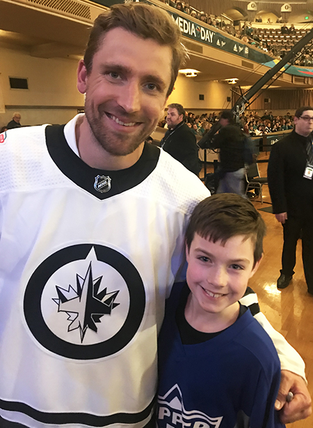 2019-upper-deck-nhl-all-star-media-day-kid-correspondent-player-blake-wheeler