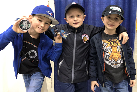 2019-summit-show-edmonton-upper-deck-kid-collectors-customer-experience